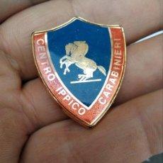 Militaria: INSIGNIA POLICIA ITALIANA CENTRO IPPICO CARABINIERI. Lote 168377716