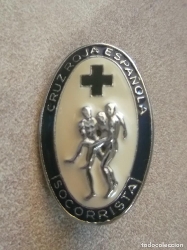 Militaria: Pin Cruz Roja Española. Socorrista - Foto 2 - 169339644