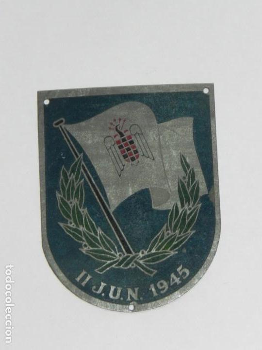 PLACA METALICA FALANGE, SEU DE LOS II JUEGOS UNIVERSITARIOS NACIONALES 1945, MIDE 6,7 X 4,5 CMS. (Militar - Insignias Militares Españolas y Pins)
