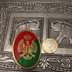 Militaria: INSIGNIA CHAPA MILITAR CON ALFILER ESMALTADA. Lote 171251658
