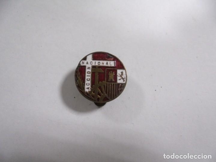 PIN. ACCION NACIONAL. VER FOTOS (Militar - Insignias Militares Españolas y Pins)