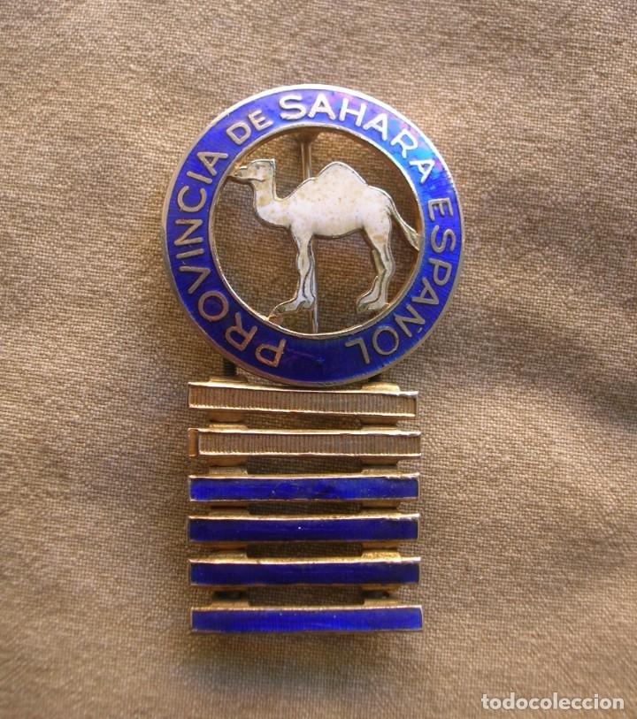 BELLO DISTINTIVO ORIGINAL 100% ESMALTADO DE PERMANENCIA EN EL SAHARA ESPAÑOL. A.O.E. IFNI. BARRAS. (Militar - Insignias Militares Españolas y Pins)