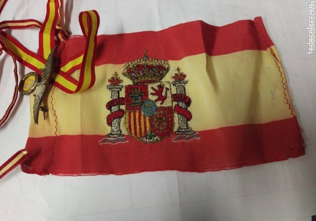 IMPORTANTE INSIGNIA CONMEMORATIVA 75 SALTOS BRIGADA PARACAIDISTA (Militar - Insignias Militares Españolas y Pins)