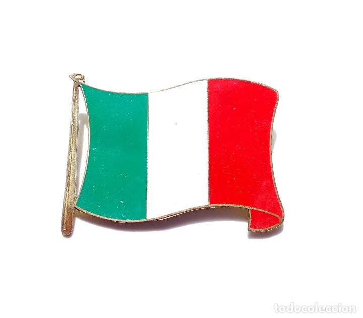 INSIGNIA BANDERA DE ITALIA (Militar - Insignias Militares Extranjeras y Pins)