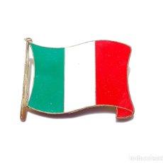 Militaria: INSIGNIA BANDERA DE ITALIA. Lote 175272903
