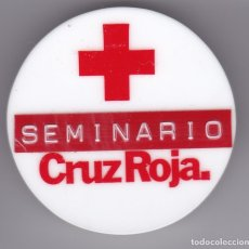 Militaria: INSIGNIA IMPERDIBLE CHAPA DE PLASTICO DE LA CRUZ ROJA - SEMINARIO (RED CROSS). Lote 175412070