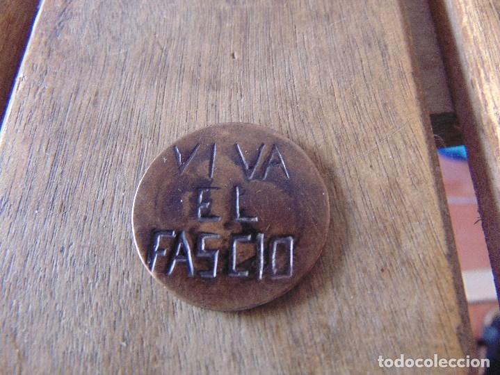Militaria: GUERRA CIVIL MONEDA GASTADA CON LA LEYENDA VIVA EL FASCIO 30 MM DE DIAMETRO - Foto 3 - 176636334