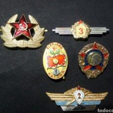 Militaria: LOTE DE 5 INSIGNIAS SOVIÉTICAS. Lote 176643088