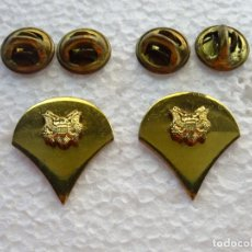 Militaria: 2 INSIGNIAS MILITARES DEL US ARMY. ESPECIALISTA SPECIALIST. DORADA EJÉRCITO AMERICANO TIPO PIN DOBLE. Lote 176984553