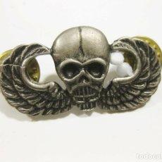 Militaria: EMBLEMA DE VIETNAM DE LAS FUERZAS ESPECIALES, US ARMY AIRBORNE JUMP WINGS WITH SKULL SPECIAL FORCES. Lote 179193078