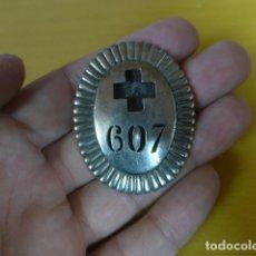 Militaria: * ANTIGUO EMBLEMA DE PECHO DE CRUZ ROJA MILITARIZADA, REPUBLICANA, GUERRA CIVIL, ORIGINAL. ZX. Lote 180146690