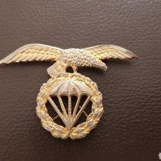 Militaria: EMBLEMA BRIGADA PARACAIDISTA EJERCITO ESPAÑOL INSIGNIA. Lote 180178998