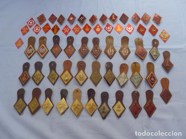* GRAN LOTE DE 60 ROMBOS Y PEPITOS ANTIGUOS, VARIEDAD. ZX (Militar - Insignias Militares Españolas y Pins)