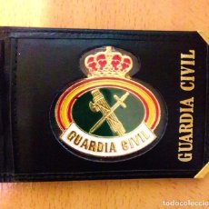 Militaria: PLACA Y CARTERA GUARDIA CIVIL. Lote 194302923