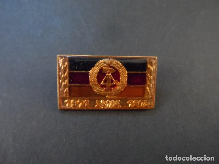 PASADOR ORDEN COLECTIVO DE TRABAJO SOCIALISTA 1971- 1975. DDR-NVA. SIGLO XX (Militar - Insignias Militares Extranjeras y Pins)