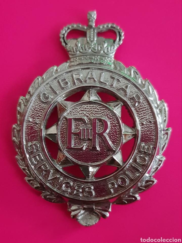 INSIGNIA EMBLEMA GIBRALTAR SERVICES POLICE EN EXCELENTE ESTADO (Militar - Insignias Militares Extranjeras y Pins)