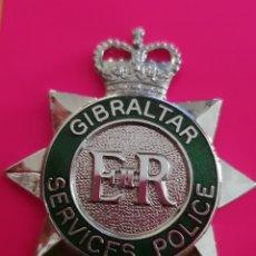 Militaria: INSIGNIA EMBLEMA POLICIA GIBRALTAR SERVICE POLICE EN EXCELENTE ESTADO. Lote 183856821