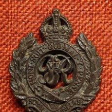 Militaria: INSIGNIA DE GORRA BRITÁNICA – GRAN BRETAÑA – BAQUELITA – ROYAL ENGINEERS CORPS – INGENIEROS. Lote 184130021