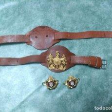 Militaria: PRECIOSA INSIGNIA INGLESA SOBRE PIEL, PARA ESPADA.CONJUNTO BUEN EJEMPLAR, VER FOTOS.. Lote 188489791
