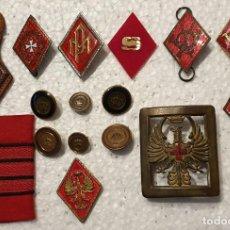 Militaria: LOTE DE ROMBOS MILITARES, BOTONES Y OTROS. Lote 191082176