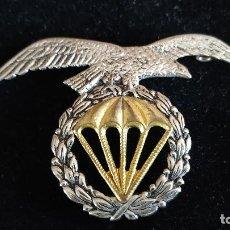 Militaria: EMBLEMA DE GORRA BRIGADA PARACAIDISTA ESPAÑOLA. Lote 191197095
