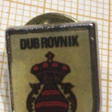 Militaria: PIN MILITAR TROPA EN DUB ROVNIK. Lote 191397376