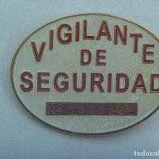Militaria: PLACA DE VIGILANTE DE SEGURIDAD, NUMERADA. Lote 194317130