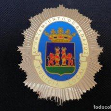 Militaria: PLACA DE PECHO DE BADAJOZ.. Lote 194520028