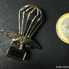 Militaria: INSIGNIA PARACAIDISTA. Lote 194613903