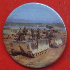 Militaria: VEHÍCULO DE TRANSPORTE ANFIBIO. GUERRA DE VIETNAM. CHAPA NUEVA DE 57 MM. Lote 194752003