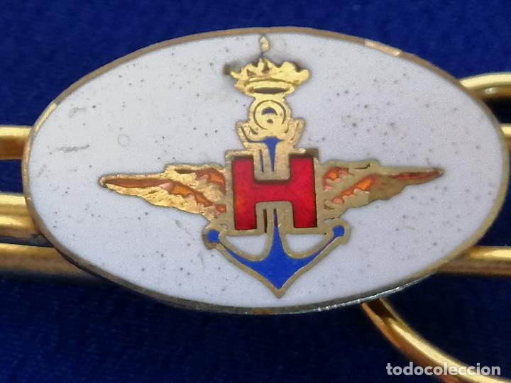 INSIGNIA PISA-CORBATAS. ARMADA ESPAÑOLA.ALAS DE PILOTO. AERONAVAL. (Militar - Insignias Militares Españolas y Pins)