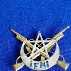 Militaria: EJERCITO UNIDAD SIDI IFNI- INSIGNIA. Lote 195282577