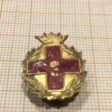 Militaria: PIN ÉPOCA FRANCO CRUZ ROJA. Lote 195334186