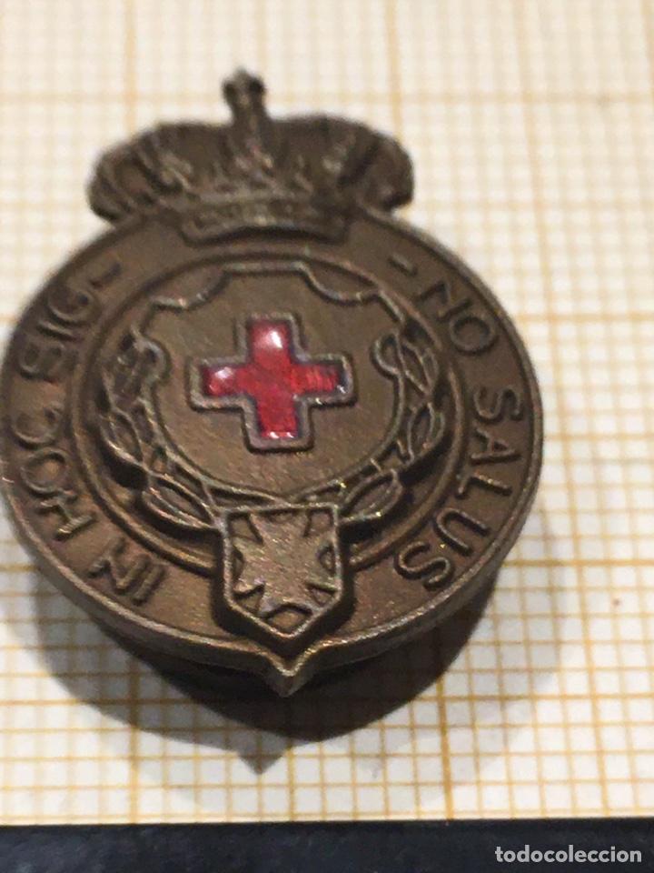 PIN DE LA MEDALLA CRUZ ROJA ÉPOCA ALFONSO XIII (Militar - Insignias Militares Españolas y Pins)