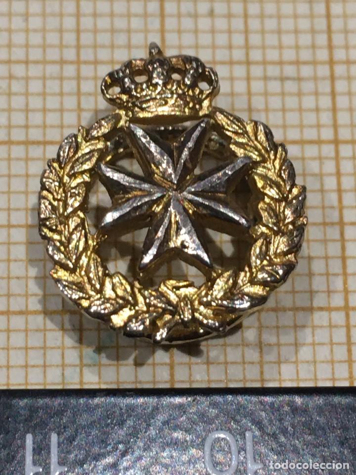 PIN SANIDAD MILITAR ANTIGUO (Militar - Insignias Militares Españolas y Pins)