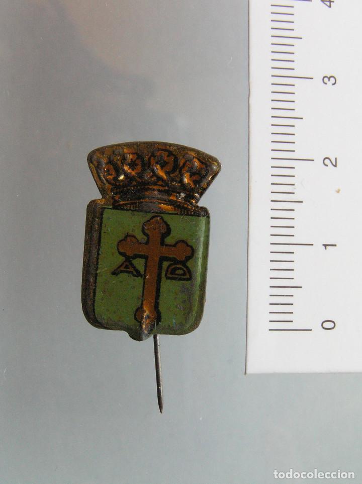 ALFILER AUXILIO SOCIAL ASTURIAS (Militar - Insignias Militares Españolas y Pins)