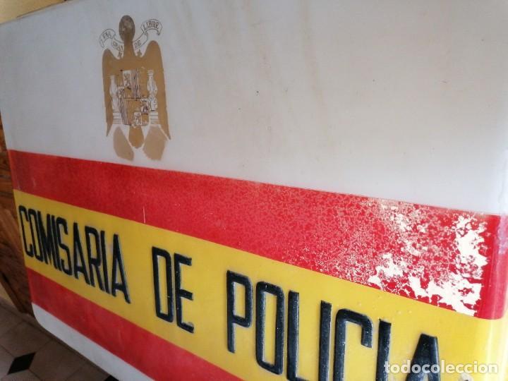 Militaria: Cartel de comisaría de la policía armada época de Franco - Foto 2 - 198900563