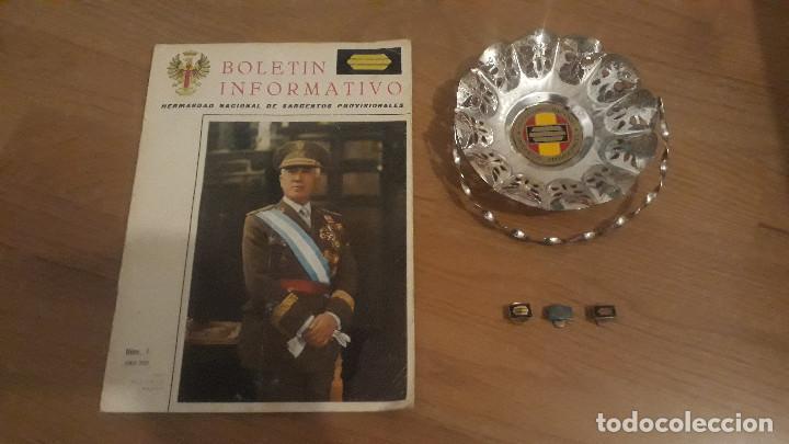 LOTE INSIGNIAS SARGENTOS PROVISIONALES GUERRA CIVIL, CESTA HERMANDAD, REVISTA (Militar - Insignias Militares Españolas y Pins)