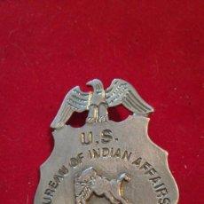 Militaria: INSIGNIA POLICÍA ASUNTOS INDIOS USA. Lote 203244080