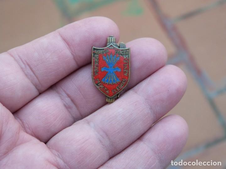 INSIGNIA BRIGADA MIXTA FLECHAS AZULES - ITALIANOS GUERRA CIVIL (Militar - Insignias Militares Españolas y Pins)