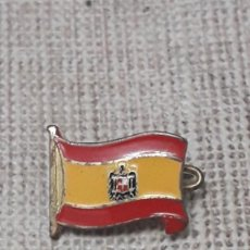 Militaria: PIN BANDERA ESPAÑOLA, ESCUDO AGUILA SAN JUAN. Lote 204688712