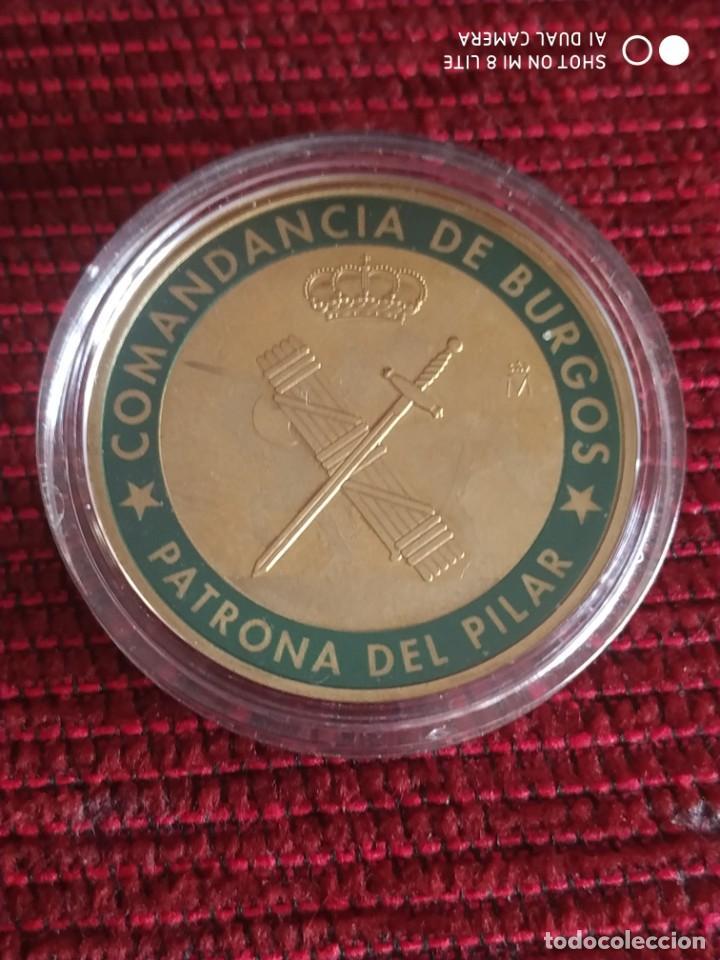 Militaria: Moneda conmemorativa guardia civil, patrona del Pilar Comandancia de Burgos - Foto 4 - 221339740