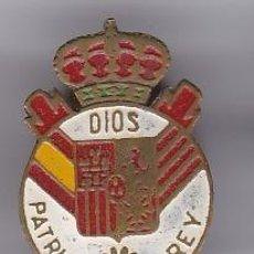 Militaria: ANTIGUO PIN DE OJAL DE ESPAÑA CON ESCUDO DE DIOS, PATRIA Y REY. Lote 205283870