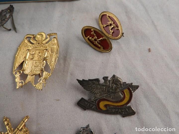 Militaria: CONJUNTO DE INSIGNIAS DE EPOCA DE FRANCO ANTIGUAS - Foto 4 - 208944005