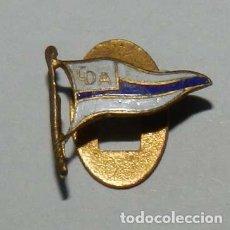 Militaria: INSIGNIA DE SOLAPA DEL CLUB DEPORTIVO ALAVES, FABRICADA POR C. PORTABELLA, BARCELONA, MIDE 1,5 CMS.. Lote 210271321