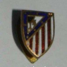 Militaria: INSIGNIA DE OJAL DEL ATLETICO DE MADRID CLUB DE FUTBOL, REVERSO CON ALFILER.. Lote 210283155