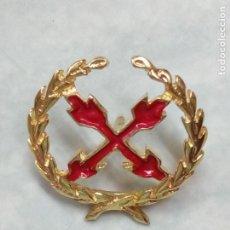 Militaria: PIN INSIGNIA ORO 18 K DEL REGIMIENTO DE CABALLERÍA FARNESIO . CRUZ DE BORGOÑA LAUREADA . MILITAR. Lote 210757084