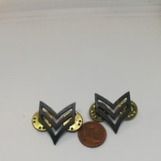 Militaria: DOS GALONES CABO USA. Lote 217732936