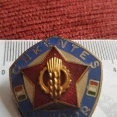 Militaria: PLACA INSIGNIA DISTINTIVO POLICIA HUNGRIA EPOCA COMUNISTA. Lote 218092062