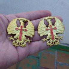 Militaria: 2 AGUILAS GORRA - CASCO - AGUILA. Lote 218908880